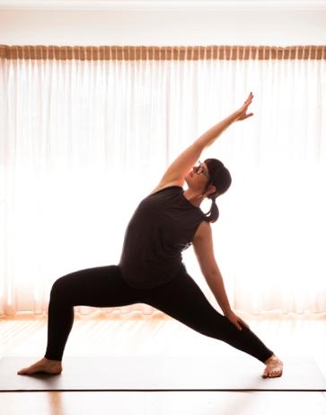 Robyn_Bell_Kind_Yoga_1_LR